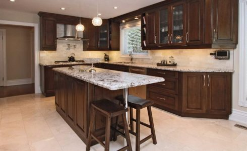 Traditional Kitchen Design In Solid Maple Chestnut Colour