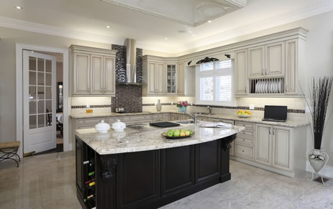 quartz vs granite kitchen countertops ideas by choosing to incorporate stylish and elegant natural countertop such as quartz or granite into your kitchen workspace you have already made smart quartz vs granite countertops how make the right decision