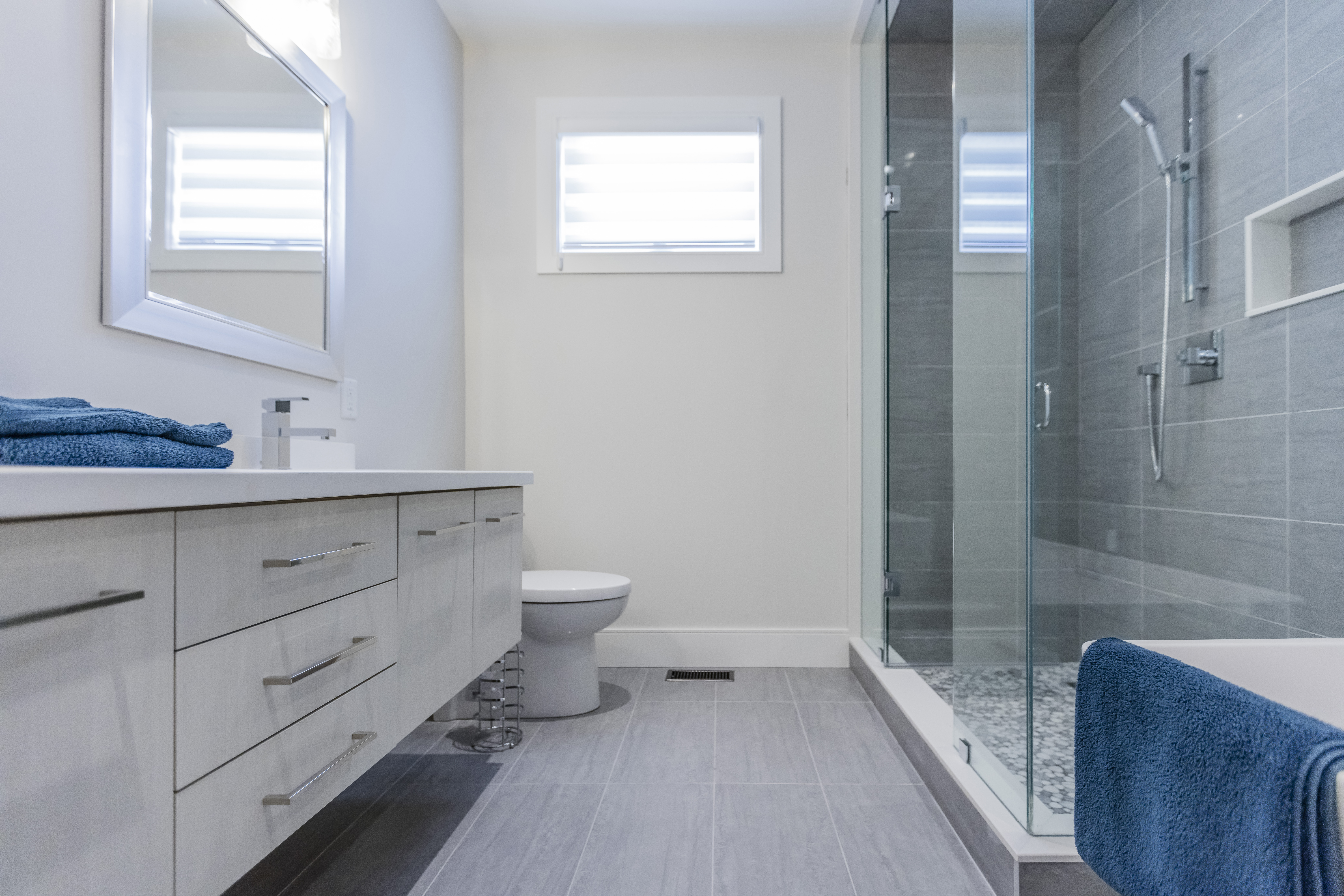 Floating Bathroom Vanity Kitchen Land Custom Kitchen Cabinets Kitchen Remodelling Mississauga And Toronto