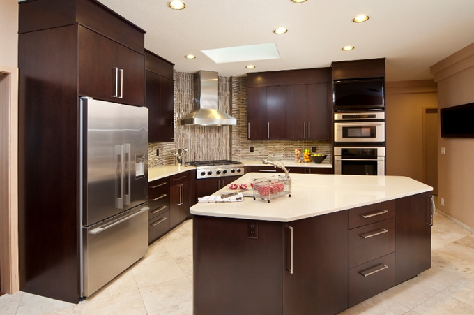 Contemporary Kitchen Quartz Countetop