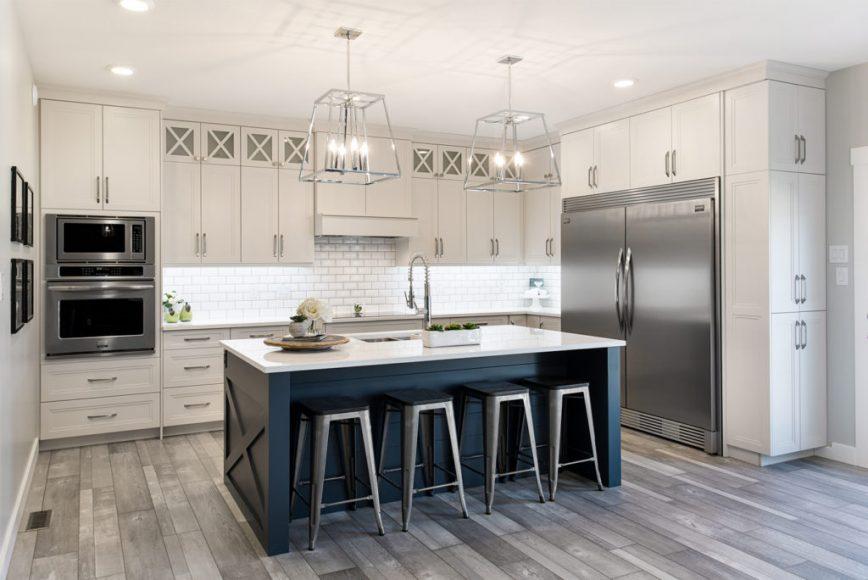 Transitional Kitchen Design In Grey, Custom Kitchen Cabinets In Mississauga